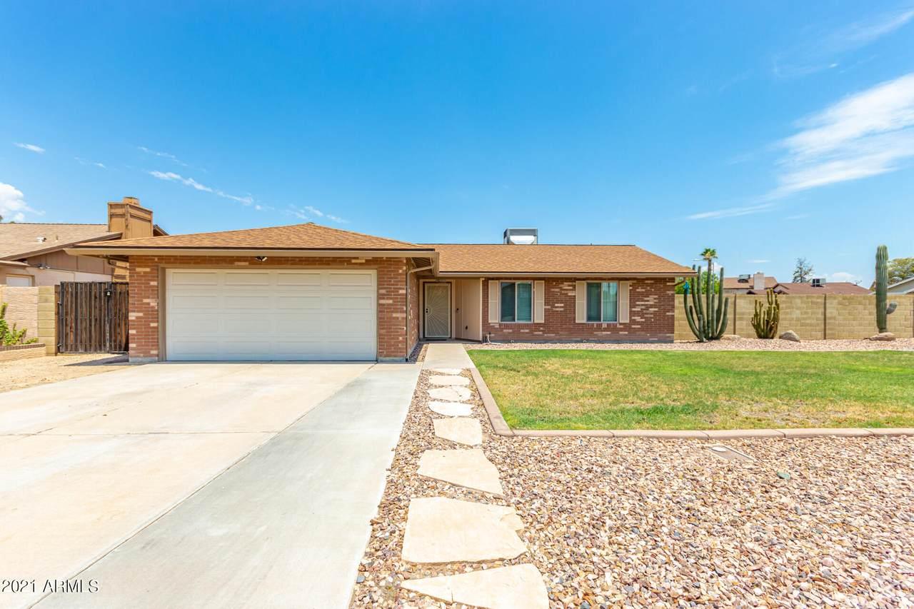 7604 Desert Cove Avenue - Photo 1