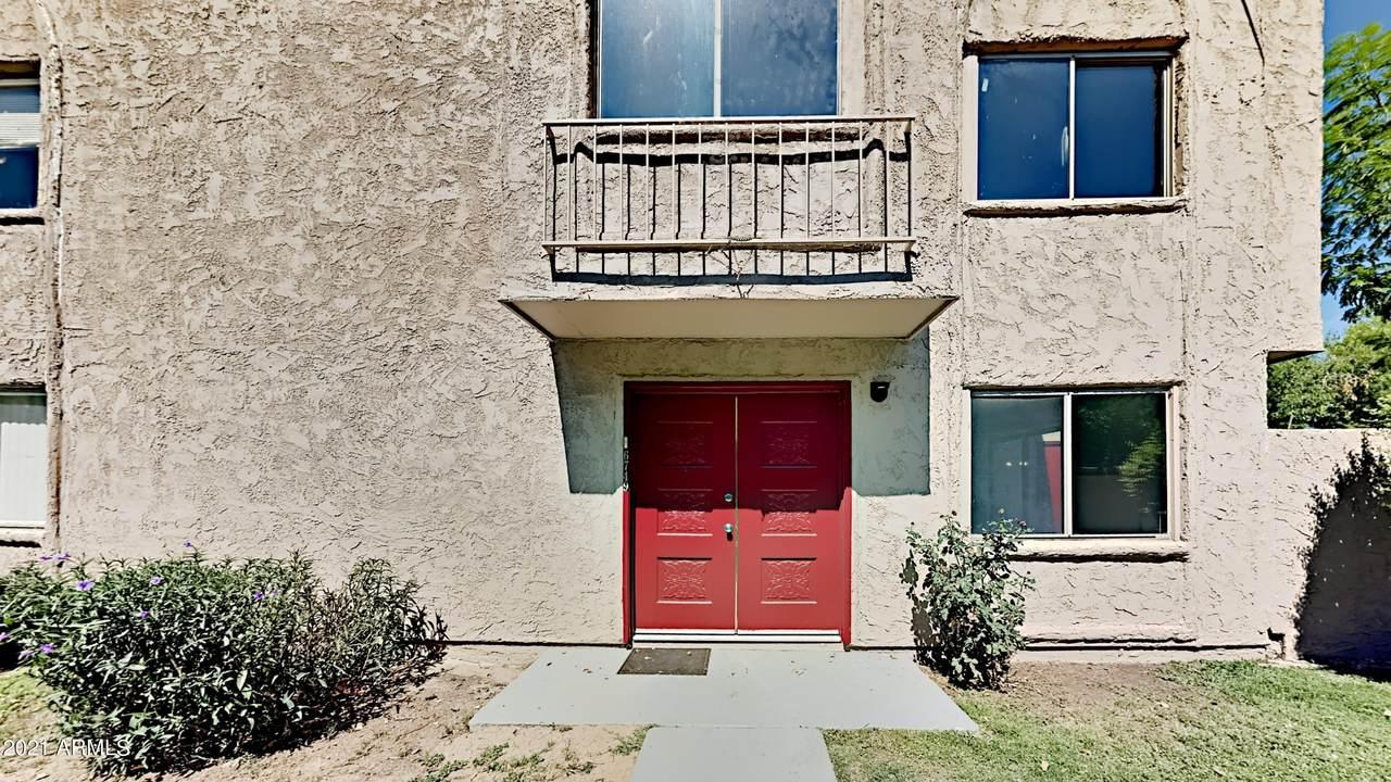 6749 Devonshire Avenue - Photo 1