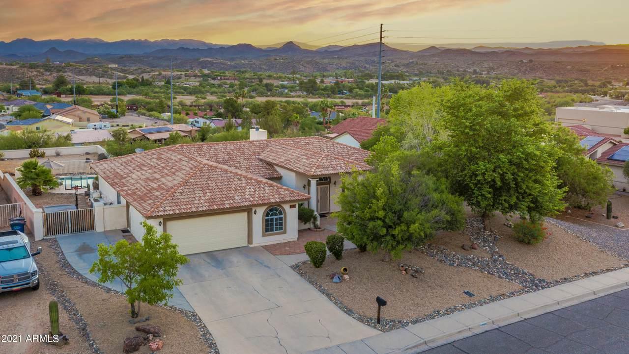 810 Sierra Vista Drive - Photo 1