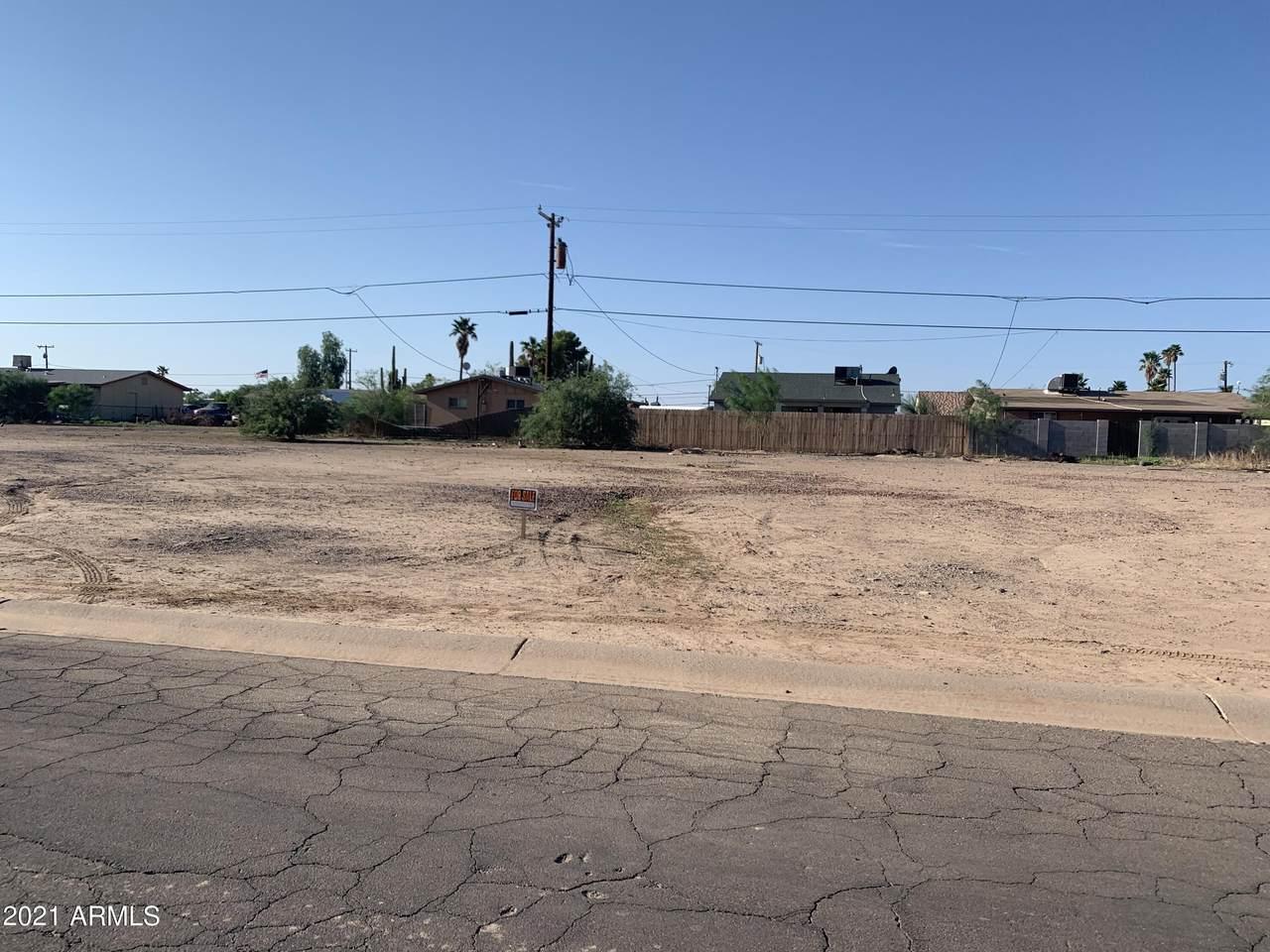 9507 Pineveta Drive - Photo 1