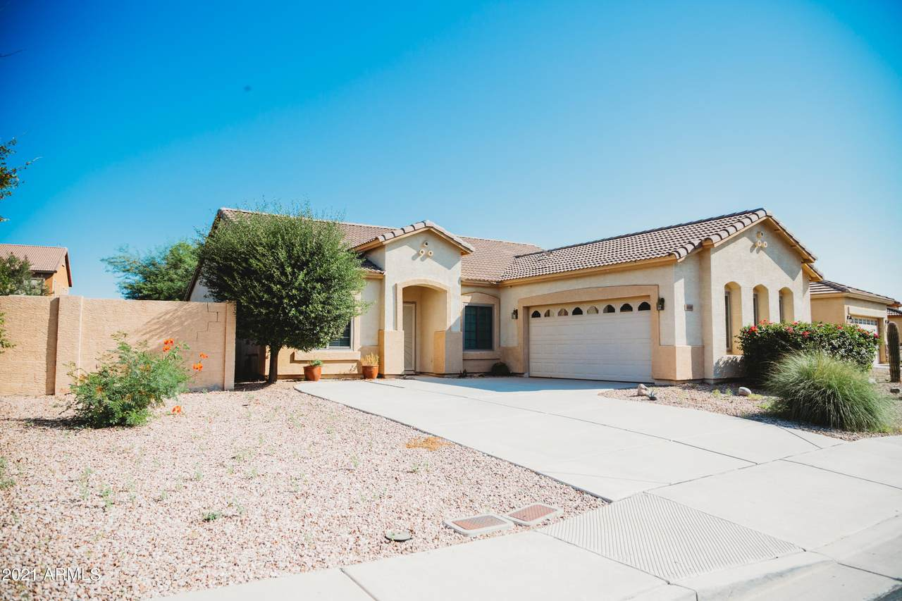 1618 Desert Breeze Drive - Photo 1