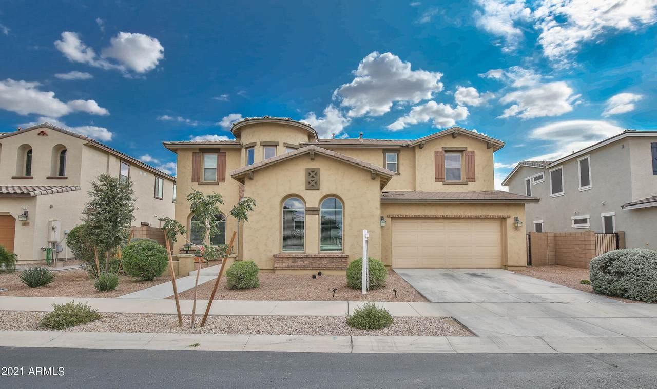 22833 Desert Hills Drive - Photo 1