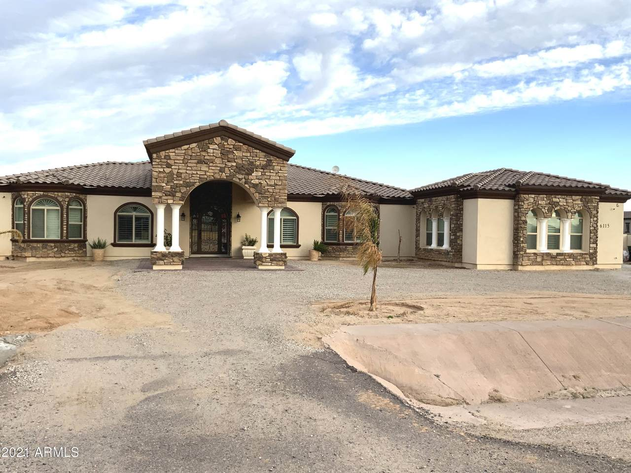 6115 175TH Avenue - Photo 1