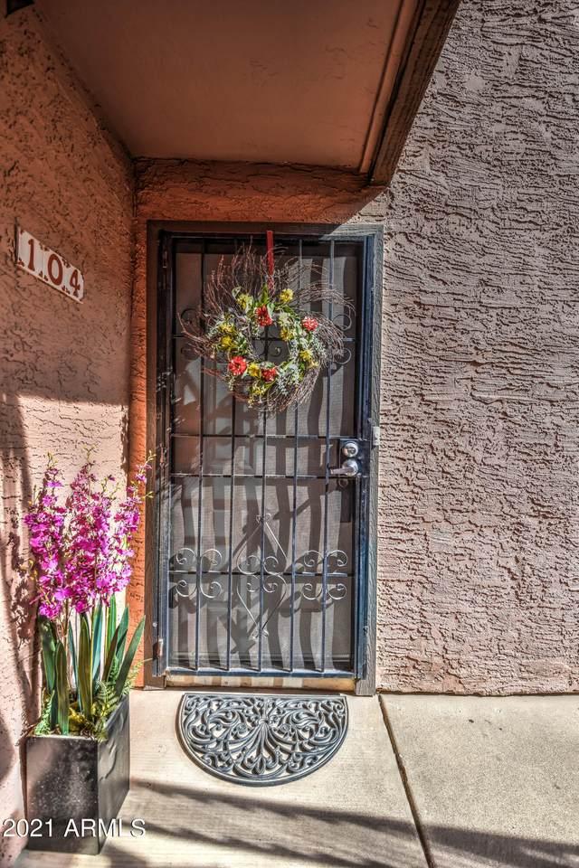 1075 Chandler Boulevard - Photo 1