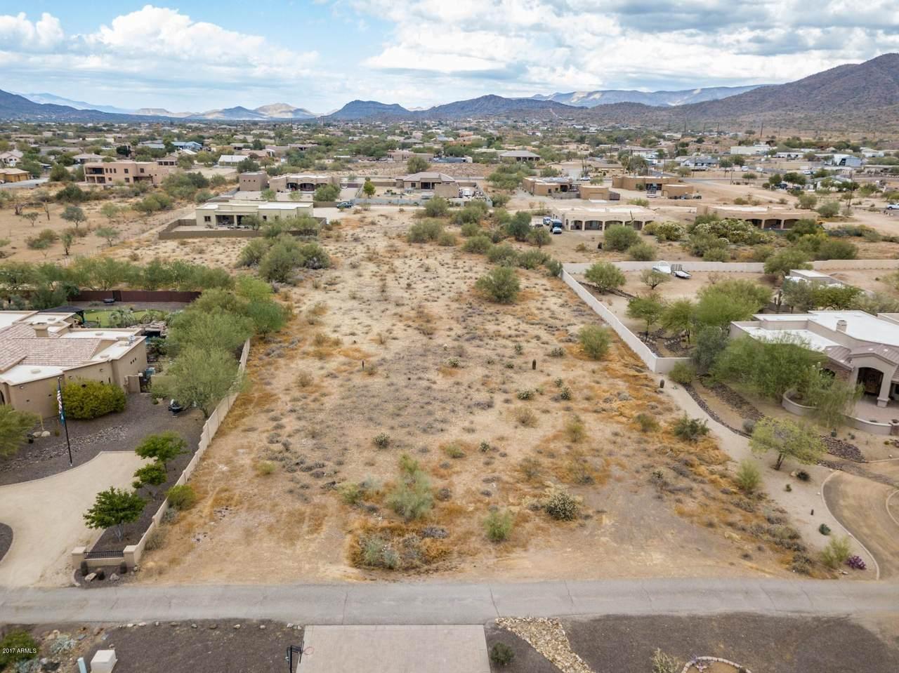 9XX Desert Hills Estate Drive - Photo 1