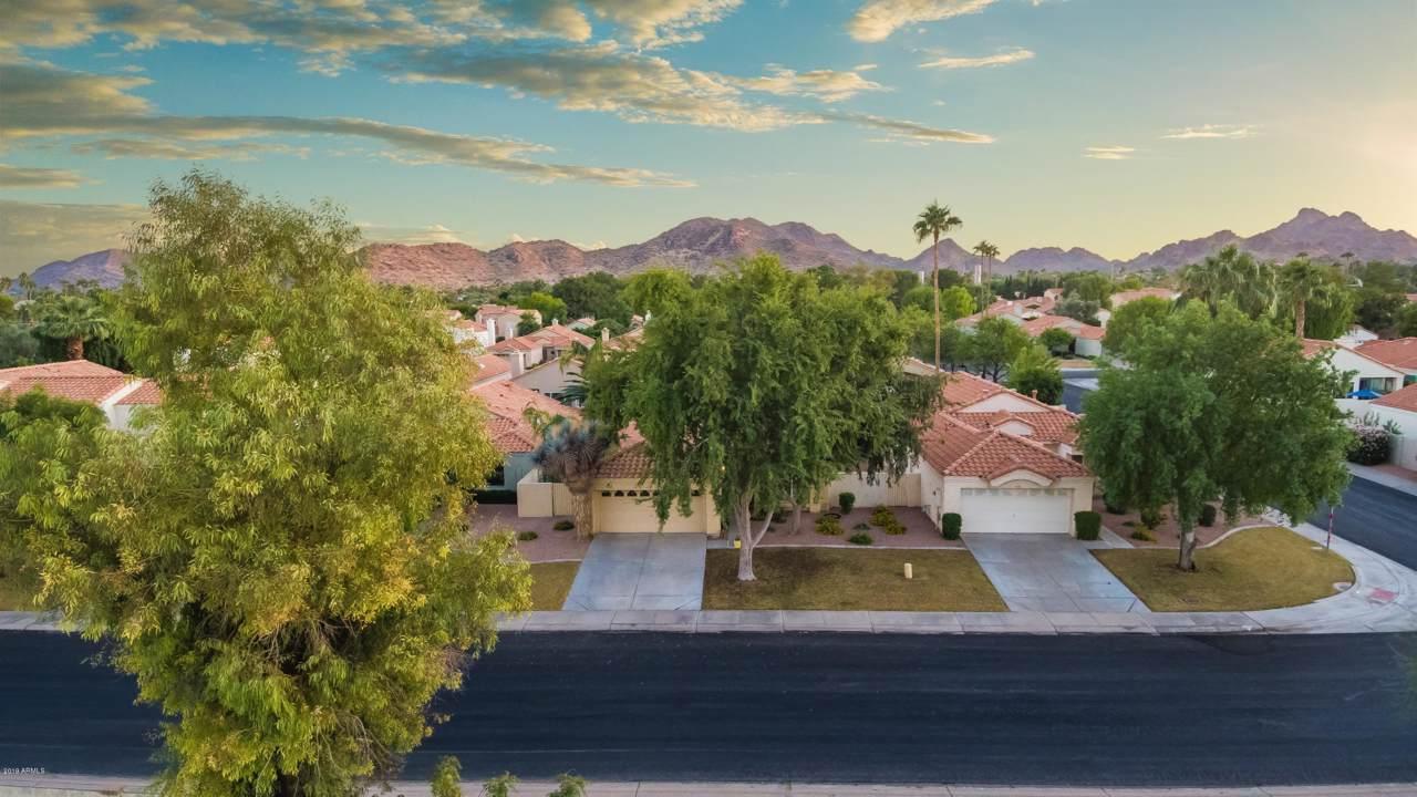 4135 Desert Cove Avenue - Photo 1