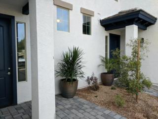 3054 N 33RD Place, Phoenix, AZ 85018 (MLS #5577074) :: Sibbach Team - Realty One Group