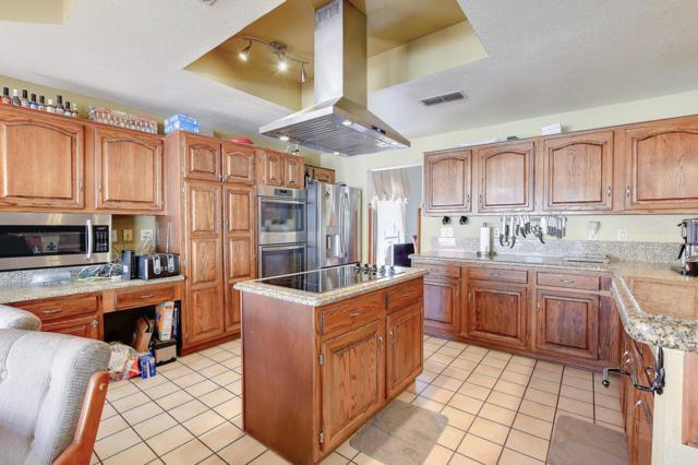 4078 W Victoria Lane, Chandler, AZ 85226 (MLS #5837709) :: CC & Co. Real Estate Team