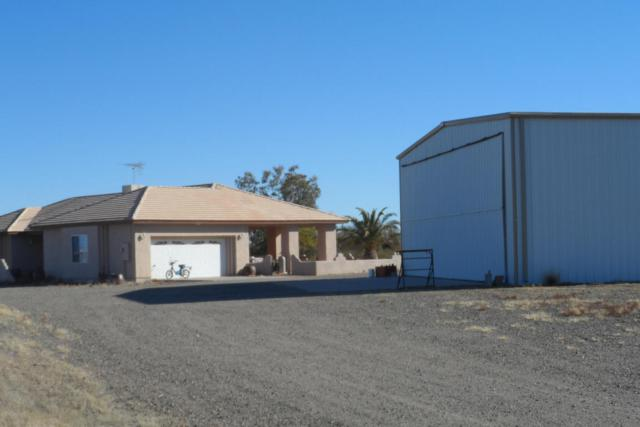 48235 N 513TH Avenue, Aguila, AZ 85320 (MLS #5376082) :: The Wehner Group