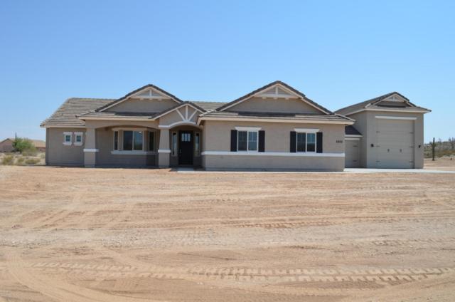 2905 W Moon Dust Trail, Queen Creek, AZ 85142 (MLS #5623023) :: Sibbach Team - Realty One Group