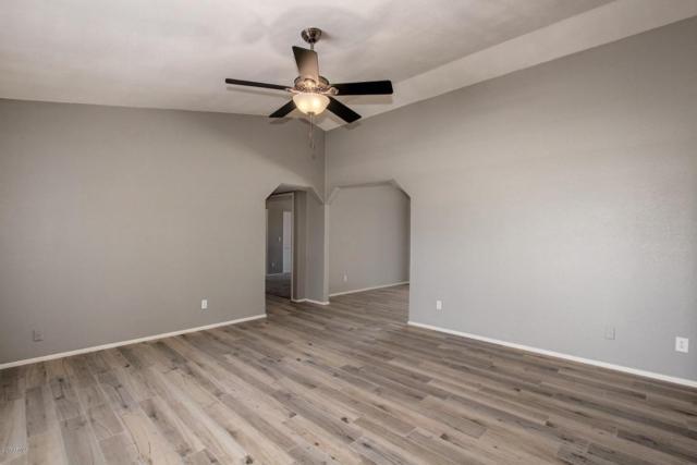 6419 W Monte Cristo Avenue, Glendale, AZ 85306 (MLS #5624874) :: Kortright Group - West USA Realty