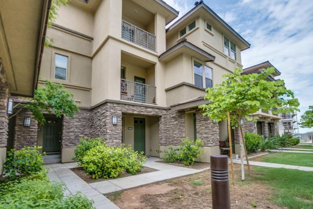 17850 N 68TH Street #1105, Phoenix, AZ 85054 (MLS #5638029) :: Cambridge Properties