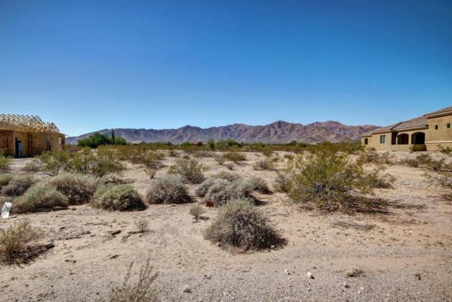 8614 N 193RD Drive, Waddell, AZ 85355 (MLS #5673739) :: Kortright Group - West USA Realty