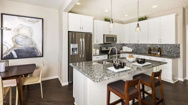 2477 W Market Place #38, Chandler, AZ 85248 (MLS #5696606) :: Revelation Real Estate
