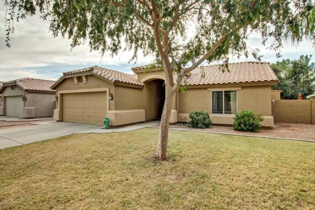 2323 E Manor Drive, Gilbert, AZ 85296 (MLS #5698091) :: Group 46:10