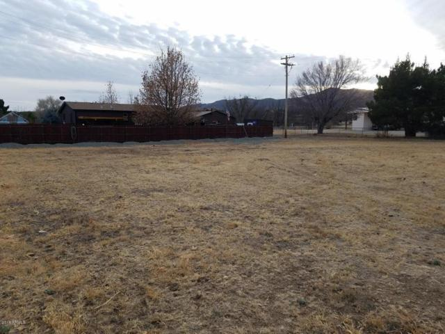 18424 S Henley Avenue, Peeples Valley, AZ 86332 (MLS #5705717) :: The Garcia Group @ My Home Group