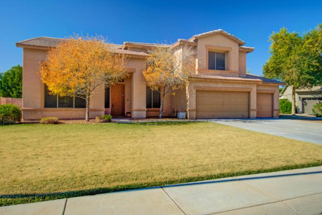2044 S Stuart Avenue, Gilbert, AZ 85295 (MLS #5714073) :: Kortright Group - West USA Realty