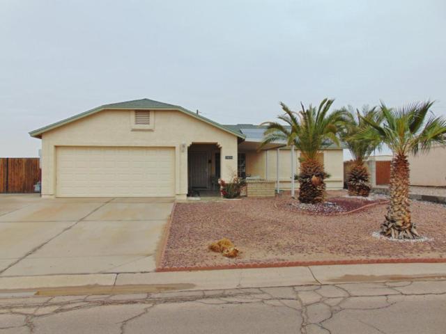 10054 W Devonshire Drive, Arizona City, AZ 85123 (MLS #5724630) :: Yost Realty Group at RE/MAX Casa Grande