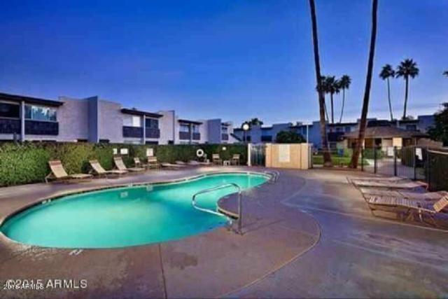 4610 N 68TH Street #421, Scottsdale, AZ 85251 (MLS #5735311) :: Brett Tanner Home Selling Team