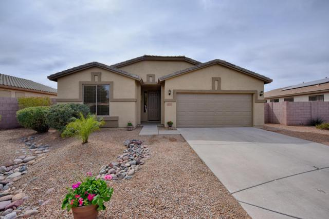 2155 E Cherry Hills Place, Chandler, AZ 85249 (MLS #5738411) :: The Bill and Cindy Flowers Team
