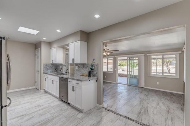 10258 W Twin Oaks Drive, Sun City, AZ 85351 (MLS #5744548) :: Brett Tanner Home Selling Team