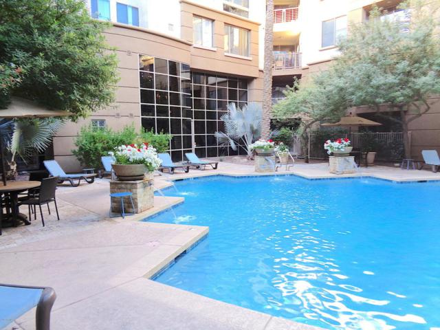1701 E Colter Street #408, Phoenix, AZ 85016 (MLS #5747505) :: The Laughton Team