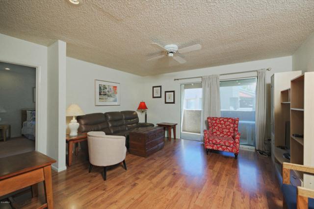4444 E Paradise Village Parkway #220, Phoenix, AZ 85032 (MLS #5748155) :: Brett Tanner Home Selling Team
