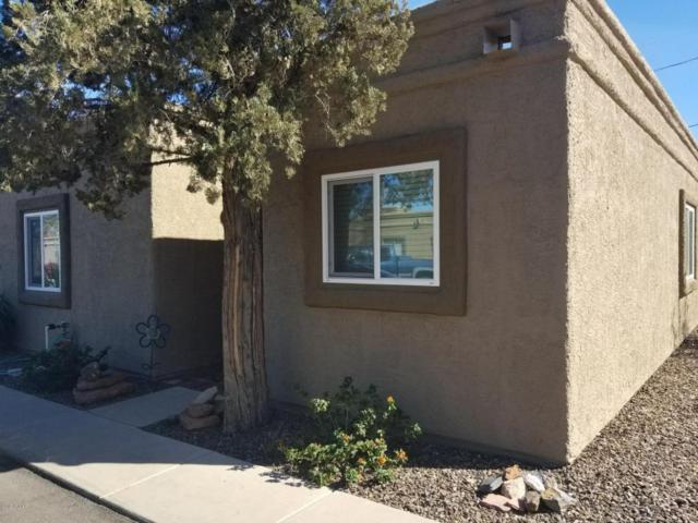 17204 N 63RD Avenue #1, Glendale, AZ 85308 (MLS #5756321) :: The Daniel Montez Real Estate Group