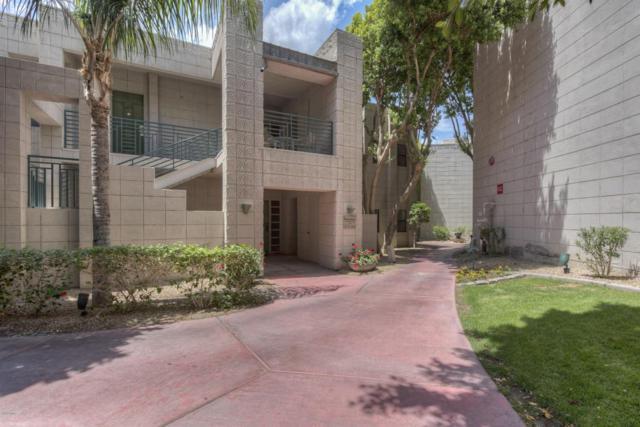 2802 E Camino Acequia Drive #70, Phoenix, AZ 85016 (MLS #5766359) :: The Laughton Team