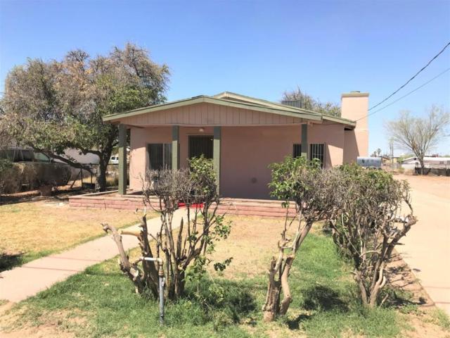 704 N D Street, Eloy, AZ 85131 (MLS #5767368) :: Yost Realty Group at RE/MAX Casa Grande