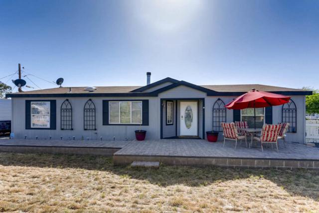 2087 E Michelle Drive, Phoenix, AZ 85022 (MLS #5768899) :: Cambridge Properties
