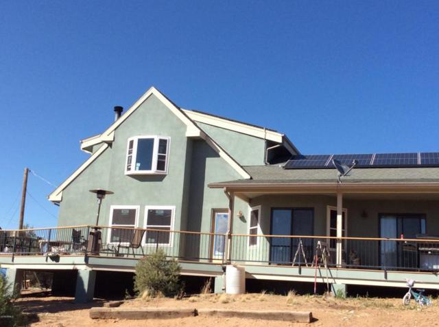 7400 W Dillon Lane, Prescott, AZ 86305 (MLS #5770313) :: Yost Realty Group at RE/MAX Casa Grande