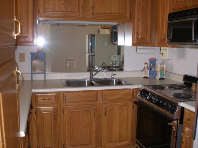 10330 W Thunderbird Boulevard B113, Sun City, AZ 85351 (MLS #5775931) :: The Daniel Montez Real Estate Group