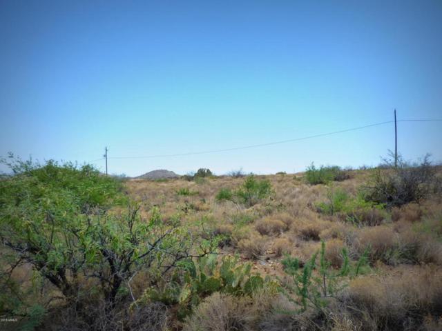 20209 E Kino Road, Mayer, AZ 86333 (MLS #5780909) :: Yost Realty Group at RE/MAX Casa Grande