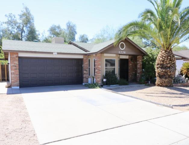 1226 N Palm Street, Gilbert, AZ 85234 (MLS #5784917) :: The Pete Dijkstra Team