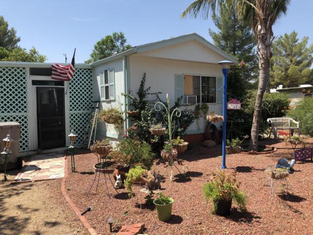 19241 E Abbott Street, Black Canyon City, AZ 85324 (MLS #5805952) :: Brett Tanner Home Selling Team