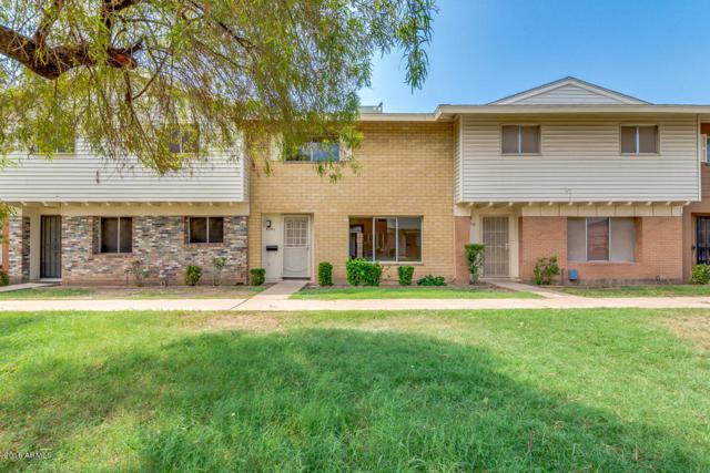 6545 N 44TH Avenue, Glendale, AZ 85301 (MLS #5806663) :: The Garcia Group @ My Home Group