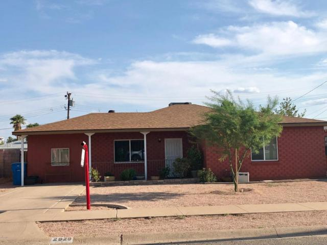 2929 E Brill Street, Phoenix, AZ 85008 (MLS #5809870) :: Yost Realty Group at RE/MAX Casa Grande