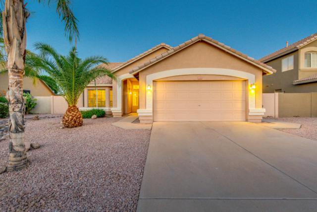 2643 S Augustine, Mesa, AZ 85209 (MLS #5816562) :: The W Group