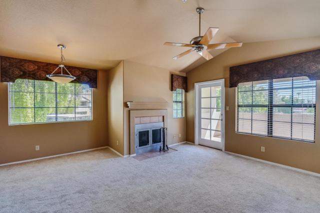 6885 E Cochise Road #206, Paradise Valley, AZ 85253 (MLS #5818808) :: Brett Tanner Home Selling Team