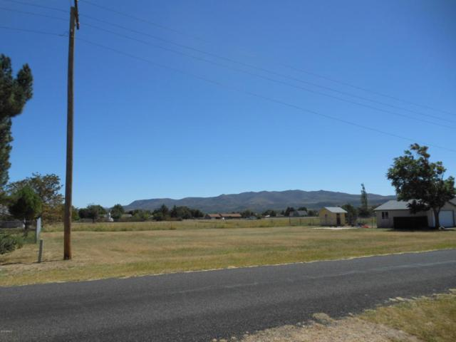 18579 S Jerry Holbrook Road, Peeples Valley, AZ 86332 (MLS #5819454) :: The Garcia Group @ My Home Group