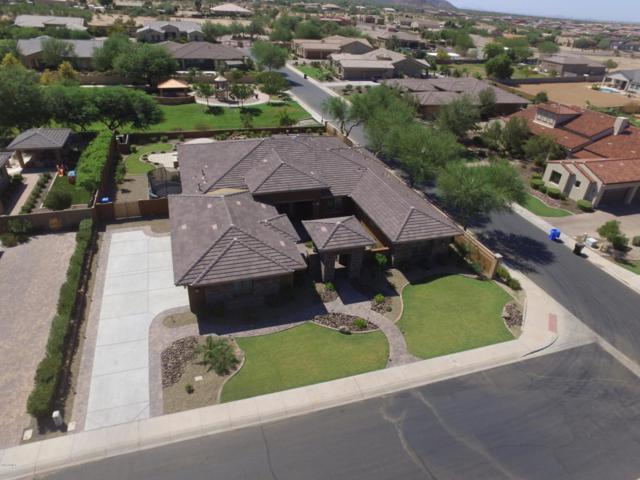 3037 E La Costa Drive, Gilbert, AZ 85298 (MLS #5822136) :: Santizo Realty Group