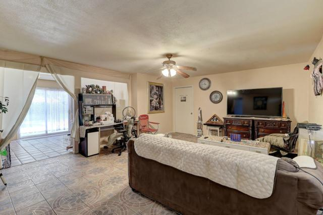 4028 E Burgess Lane, Phoenix, AZ 85042 (MLS #5822632) :: Keller Williams Realty Phoenix