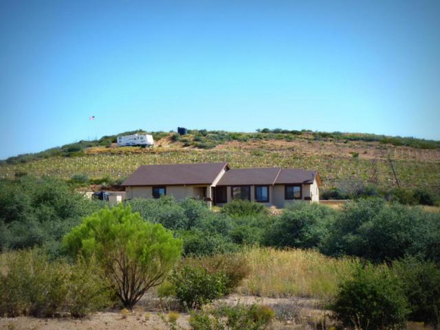 1575 N Ark Landing, Dewey, AZ 86327 (MLS #5825358) :: The Garcia Group @ My Home Group