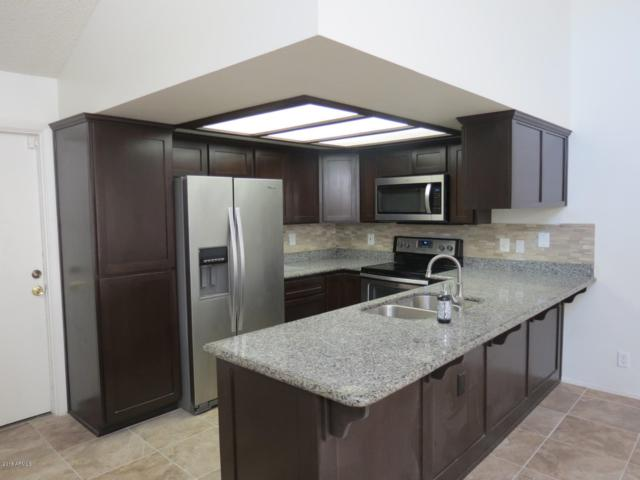 886 W Summit Place, Chandler, AZ 85225 (MLS #5835210) :: Kortright Group - West USA Realty