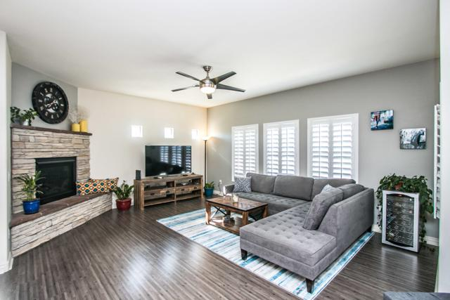 21320 N 56TH Street #2090, Phoenix, AZ 85054 (MLS #5843693) :: The Everest Team at My Home Group