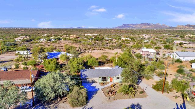 2874 N Sixshooter Road, Apache Junction, AZ 85119 (MLS #5846735) :: Yost Realty Group at RE/MAX Casa Grande