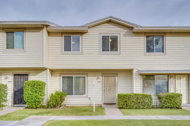 1227 E Baker Drive, Tempe, AZ 85282 (MLS #5847292) :: The Jesse Herfel Real Estate Group