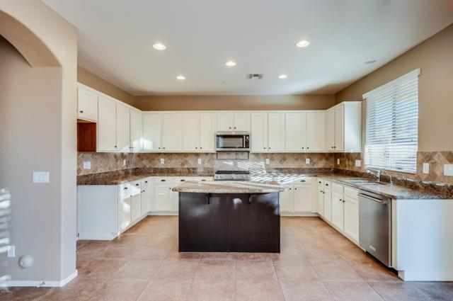 30165 N 73RD Drive, Peoria, AZ 85383 (MLS #5852492) :: The Laughton Team