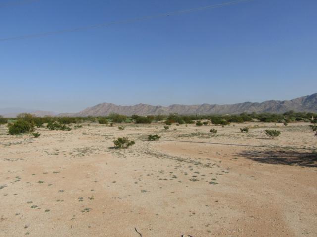 0 W Komatke Road, Maricopa, AZ 85139 (MLS #5855680) :: Yost Realty Group at RE/MAX Casa Grande